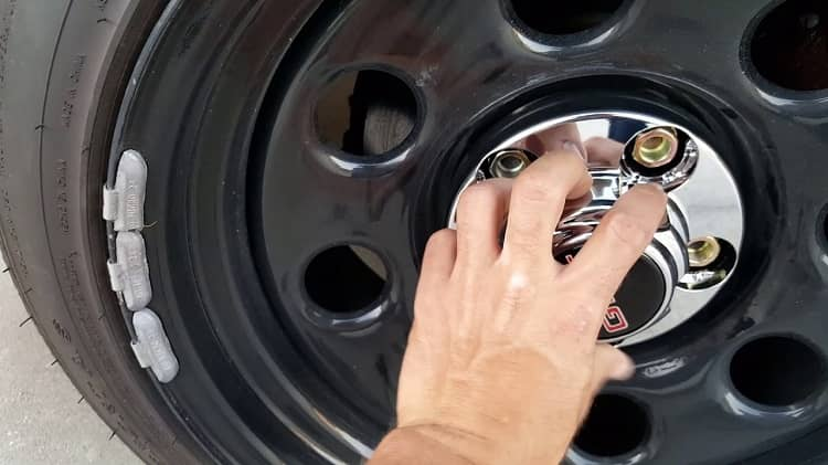 How to Install Center Caps on Rally Wheels