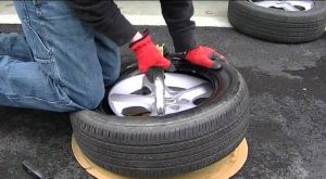 Tire Changing Procedure When Stranded